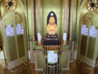 通天閣 幸運の神様ビリケンさんが鎮座する黄金の展望台